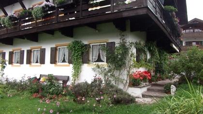 Haus mit garten  Vacation apartments in Landkreis Garmisch-Partenkirchen ...