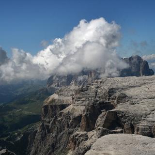 Wolkenstimmung am Piz Boè