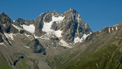 Blick vom Aufstiegsweg zur Waze im gegenüber liegenden Kaunergrat