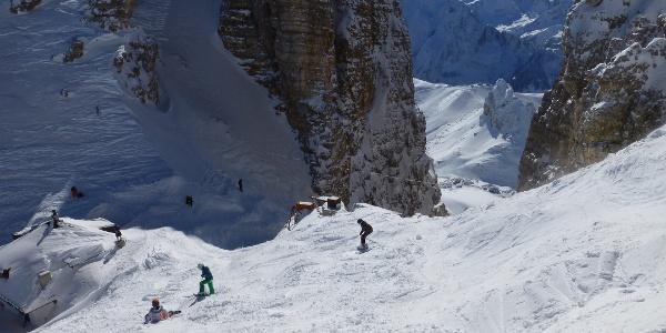 Am Rifugio Forcella Pordoi im Winter