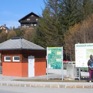 Infostand am Wanderparkplatz