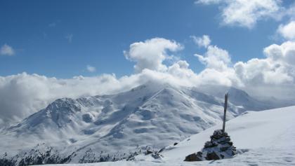 Der breite Gipfelkamm des Spi da Russennna bietet eine wunderbare Rund-um-Sicht!