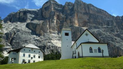 Pilgern in atemberaubender Landschaft
