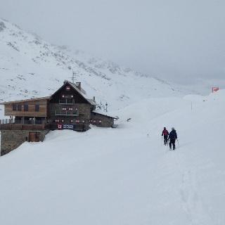 Langtalereckhütte im Hochwinter