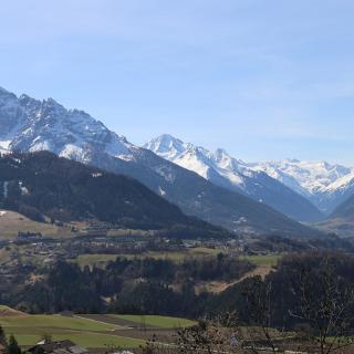 Blick auf die Serles u. Stubaier Gletscher