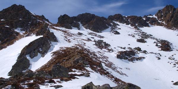 Blick zur Scharte 2070 m vom Kaltenbachsee
