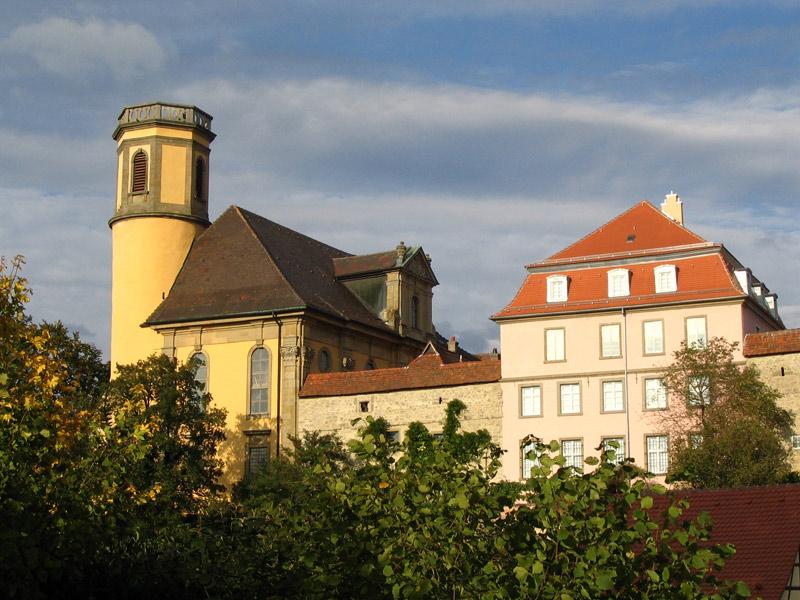 Blick auf das Sandelsche Museum Kirchberg an der Jagst auf der rechten Seite   - © Quelle: Antje Kunz