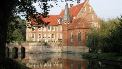 Die Burg Hülshoff, eine für das Münsterland typische Wasserburg.