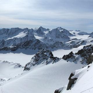 Direkte Einfahrt vom Gipfel in die Südrinne.