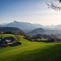 Blick über Salzburg vom obersten Bauern an der Heubergstraße