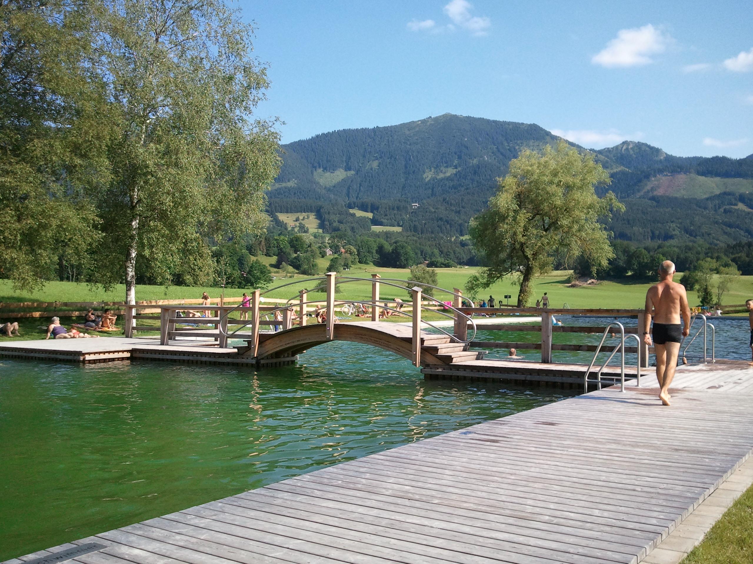 Am Samerberger Naturschwimmbad