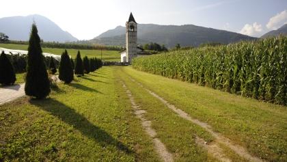 La chiesetta di Bono e i dipinti dei Baschenis