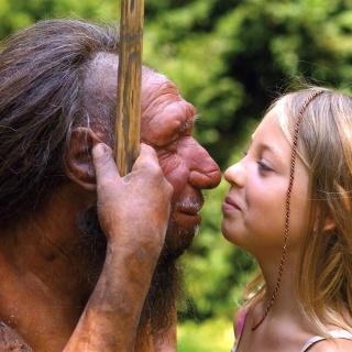 Neandertaler mit Mädchen