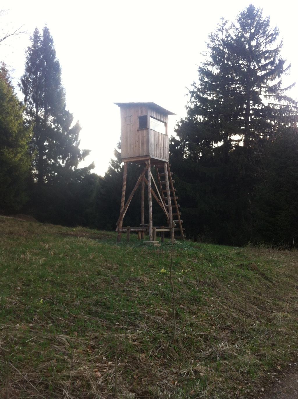 Jägerstand am Wegesrand (Antonie Schmid)