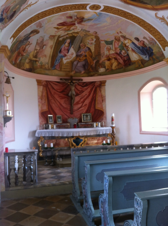 Prunkvolle Deckenmalerei in der Kirnberg Kapelle (Antonie Schmid)